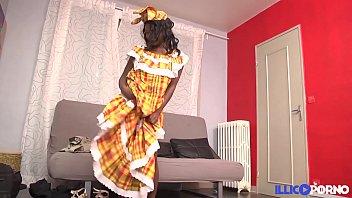 Jeune antillaise noire se fait défoncer à son arrivé en France