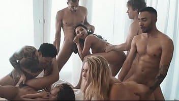 Orgie interraciale bisexuelle d'acteurs et d'actrices xxx porno