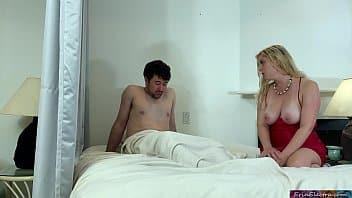 Il encule sa voisine lorsque le mari n'est pas là